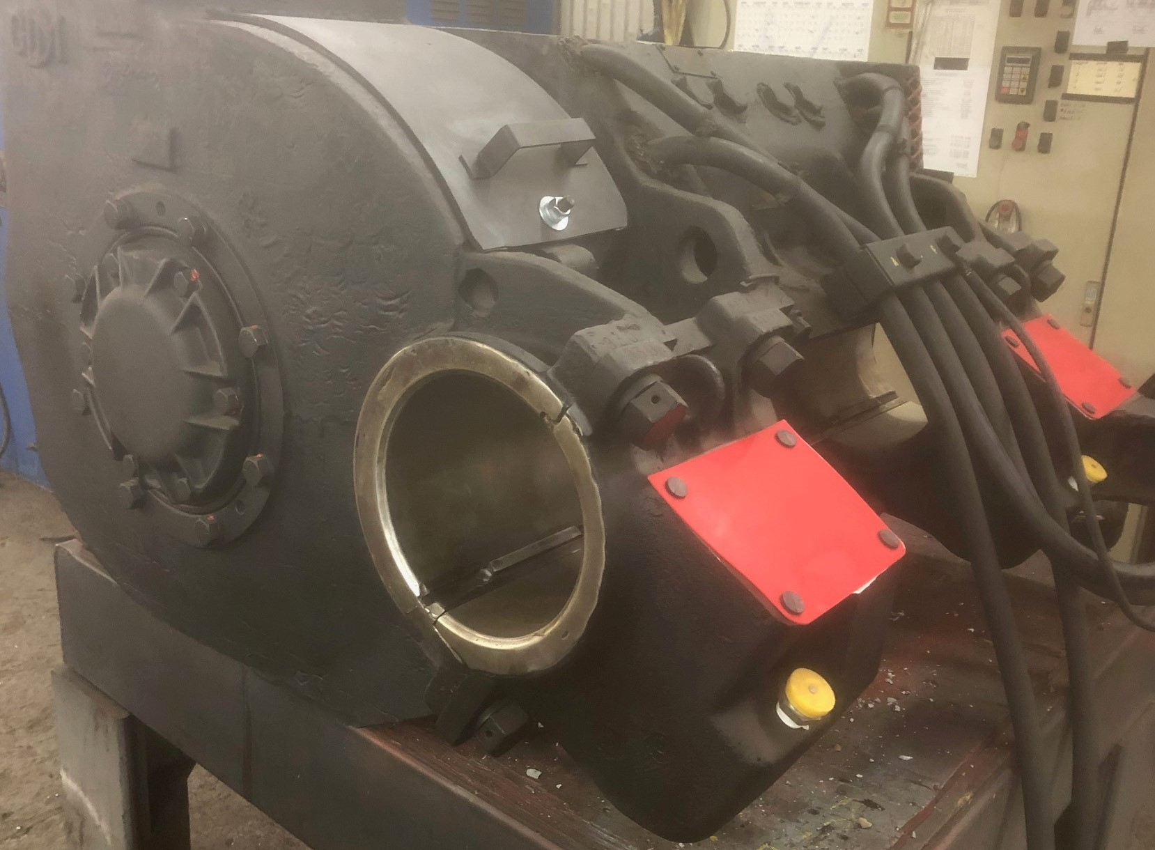 D77 Traction Motor